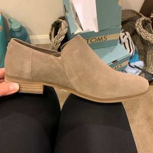 BRAND NEW TOMS Suede Booties size 9.5